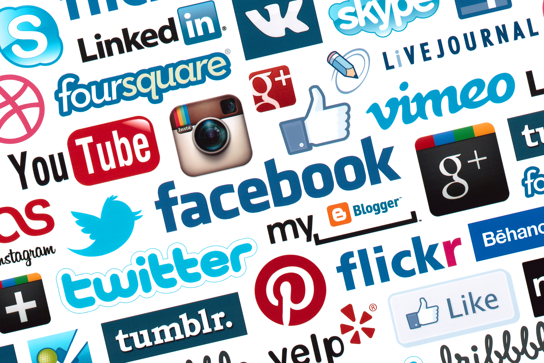 Social Media – The downfall of civilization graphic